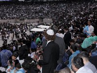 IMG 1351  crowd diversity rain -- color, crowd, Green, hashas, MG, Siyum : Green, MG, Siyum, color, crowd, hashas